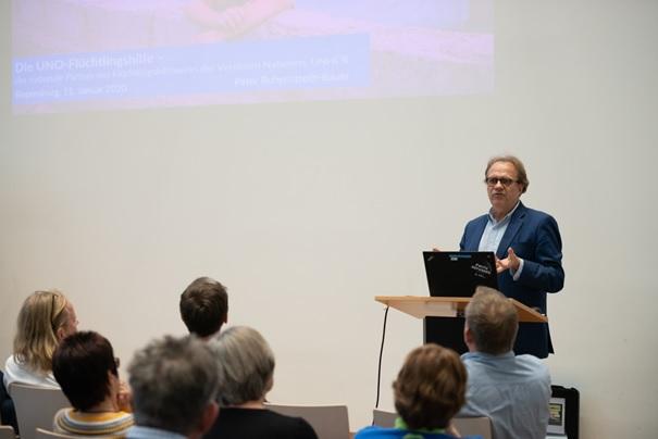 Info- und Crewtreffen: Peter Ruhenstroth-Bauer (Geschäftsführer UNO-Flüchtlingshilfe)