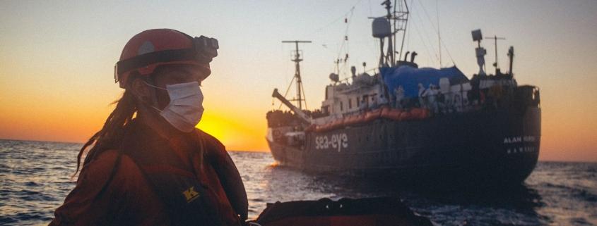 Rettungsboot vor der ALAN KURDI
