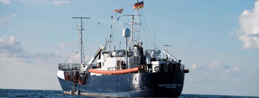ALAN KURDI mit deutscher Flagge