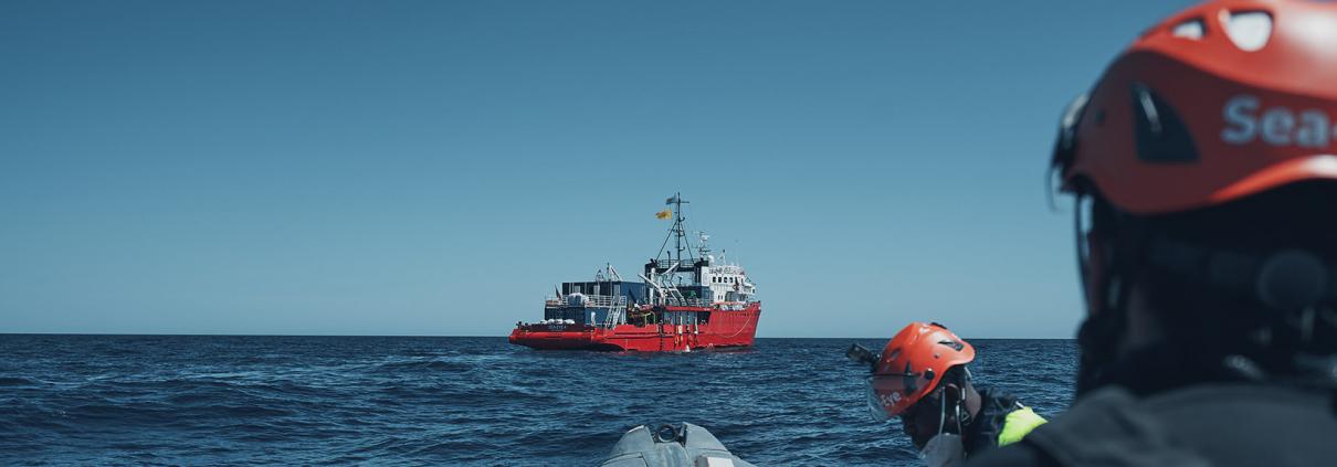 Einsatzboot und SEA-EYE 4